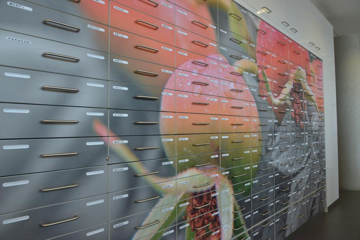 wandfoto apothekerskast. fotowandenshop.nl